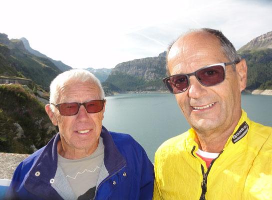 Hansueli und Werner am Stausee vor Val d'Isere