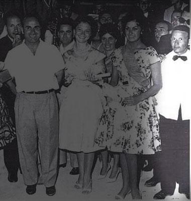 1960 Al Lido delle Sirene il barman ? (non ricordo il nome)