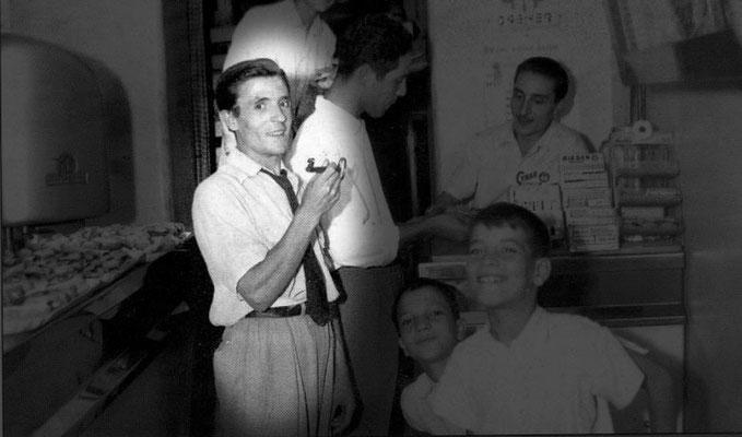 1955 Al Bar Vittoria, Mario Risafi