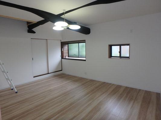 完成 低かった天井も梁を見せることで解消