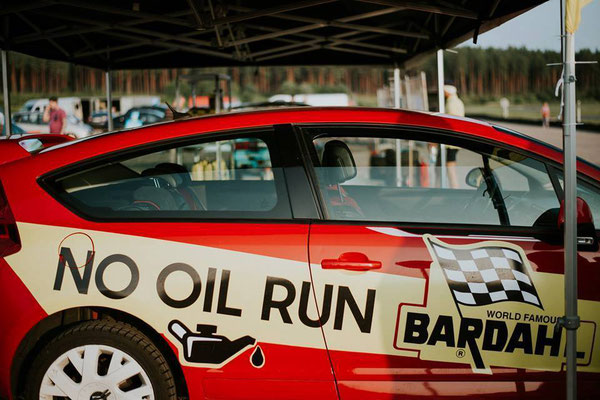 """Encore un succès avec une démonstration de notre """"No Oil Run"""" sur route. Plus de 100km sans huile et sans casse grâce à la super lubrification des produits Bardahl."""