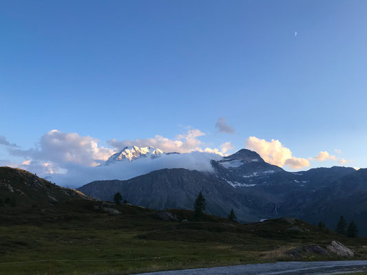 Fletschhorn in Wolkenfetzen - Abfahrt vom Simplon