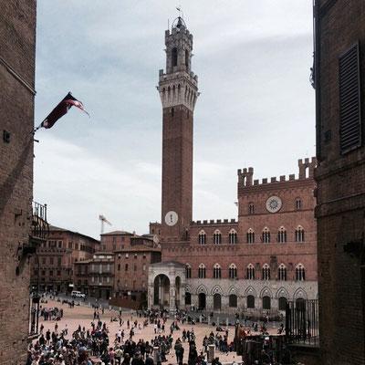 ... aber auch Siena mit seiner Piazza del Campo ist beeindruckend ...