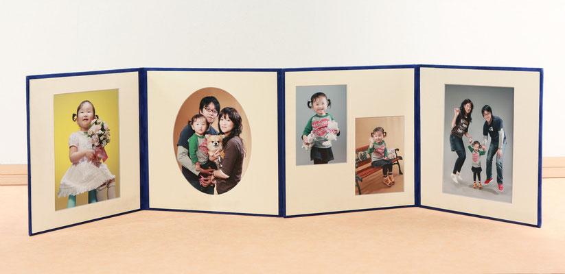 4面台紙に5ポーズ貼っています 撮影料など全て込みの価格32,550円  増冊は半額の1冊16,800円