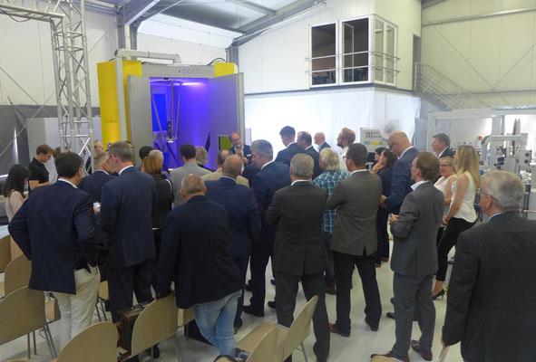 Präsentation der 3D-EHLA-Anlage durch den Geschäftsführer der ponticon Oliver Schulte