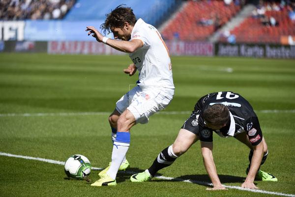 Numa Lavanchy (GC) gegen Dragan Mihajlovic (Lugano) sast-photos