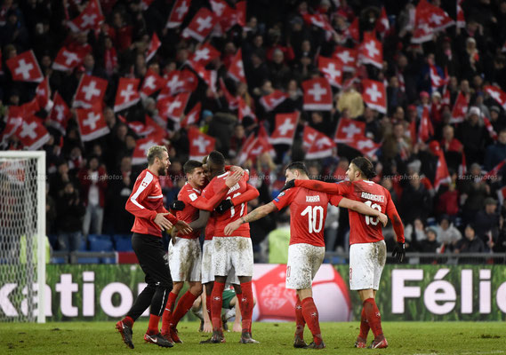 Switzerland rejoices after the Game (Sandro Stutz/sast-photos)
