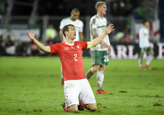 Stephan Lichtsteiner (SUI) rejoices after the Game (Sandro Stutz/sast-photos)