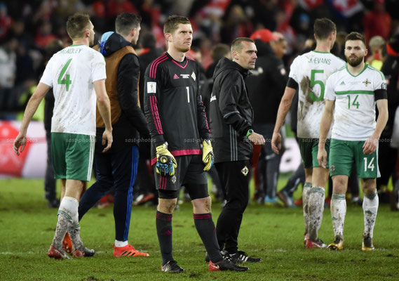 Goalkeeper Michael McGovern (NIR) up front after the Game (Sandro Stutz/sast-photos)