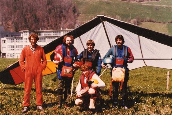 Gründer Delta Team Mythen: Günther, Ich, Heinz, Joe vorne: Meiri