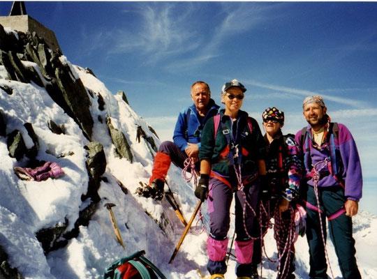 14. September 1997 Allalinhorn 4027m mit Schwiegermutter Silvia, Helene und Peter