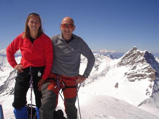 20. Juni 2008 Mönch 4107m mit Erika Bächler