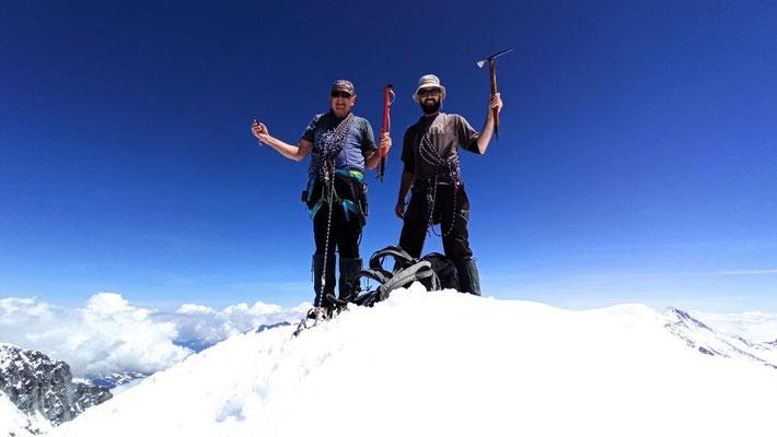 10. Juni 2021 Mönch 4107m bei heiklen Verhätnissen (warm und viel Schnee) mit Cyrill