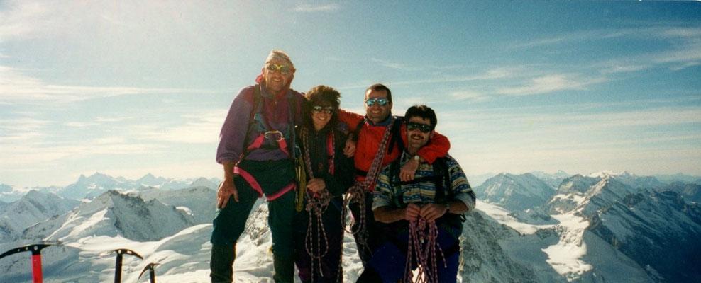 1. November 1998 Mönch 4107m mit Esther, Franz und Martin