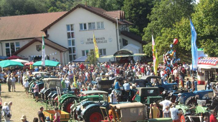 Schlepperparade hatte viele Zuhörer