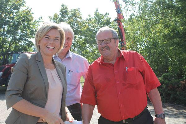 Schirmherrin Julia Klöckner und 1. Beigeordneter Rudi Emmert