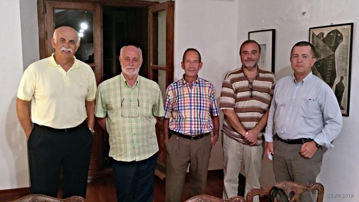 Foto final. Los intervinientes con los organizadores. Ausente D. Juan Antonio Camiñas