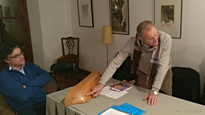 Rafael Segovia explica sobre la maqueta