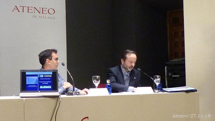 El Dr. Jorge Baro presentando al conferenciante
