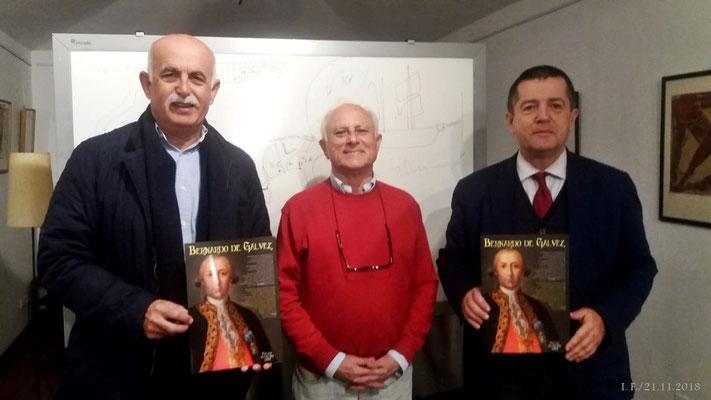 D. Manuel Olmedo entre Felipe Foj y Pablo Portillo