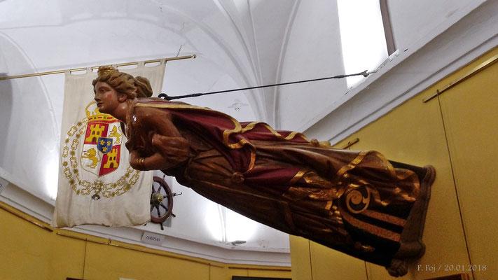 Vista lateral del mascarón del Giralda. No confundir con el yate posterior de D. Juan de Borbón