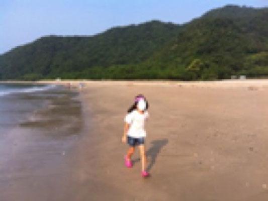 初日、宮崎県、下阿蘇海水浴場。