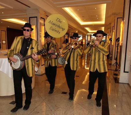 Hotelentertainment mit mobiler Band