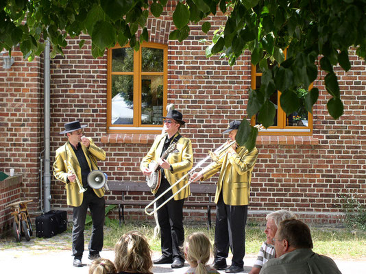 Dorffest mit Jazz-Frühschoppen