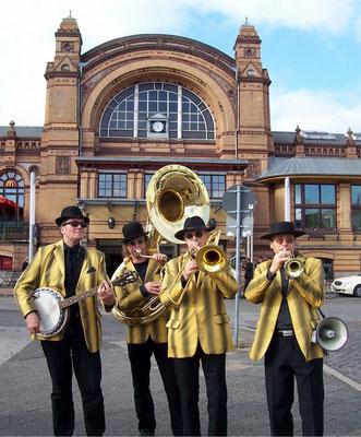 Marching Band am Bahnhof Schwerin