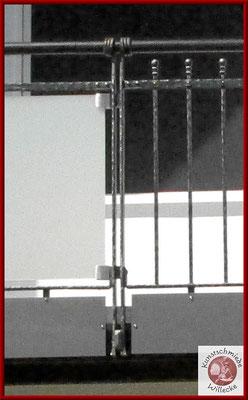 Detail des Pfosten des geschmiedeten Balkongeländers