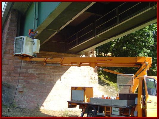 partielles Strahlen eines Brückenträgers (Ausflecken)