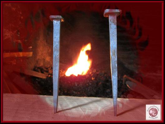 Nägel für Mittelalterliche Bodendielen Nach vorhandenem Maß nachgeschmiedet 140mm lang