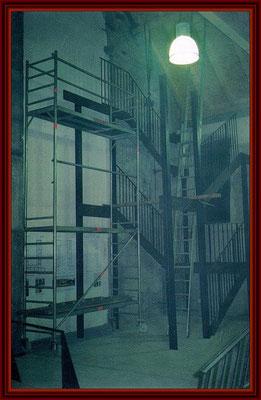 Montagebeginn des Treppenturmes