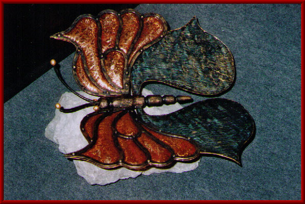 Schmetterling mit Kupfereinlagen