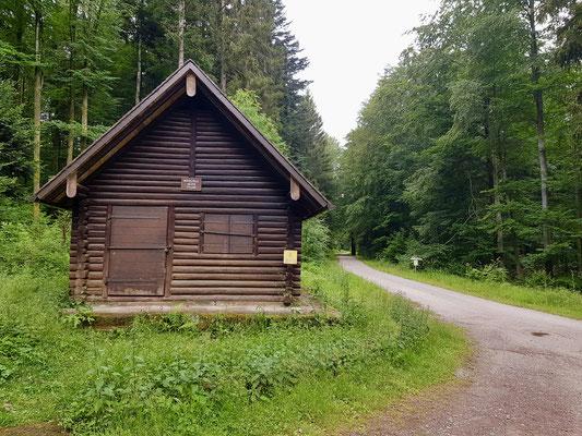 Die Mittelfeld Hütte, nun verlässt man den E1