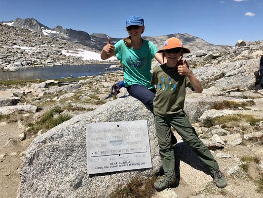 Geschafft, auf dem 3.375 Meter hohen Donahue Pass der Übergang in den Yosemite NP