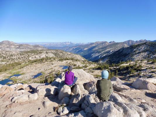 Blick vom 3.278 Meter hohen Silver Pass in unserer Wegrichtung
