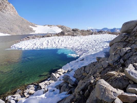Zum Teil war der See noch gefroren