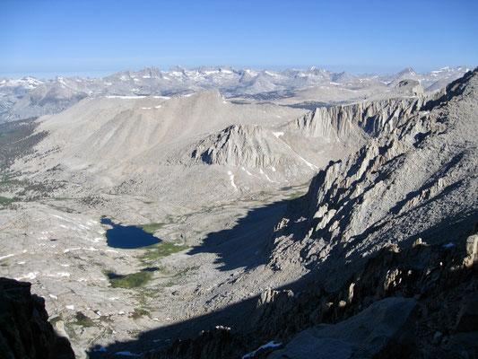 Der Blick auf Guitar Lake auf dem Weg zum Gipfel