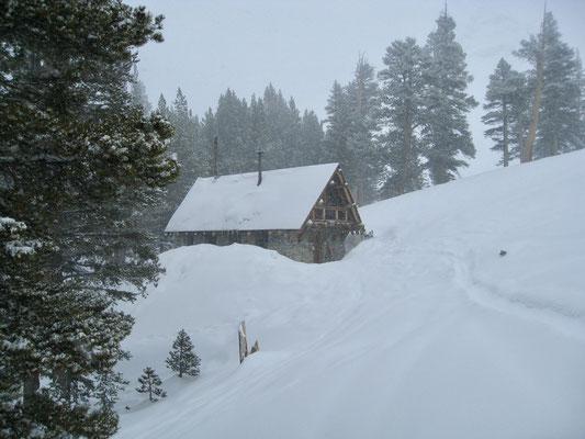 Aber wir kamen noch vor dem Schneesturm an der Hütte an