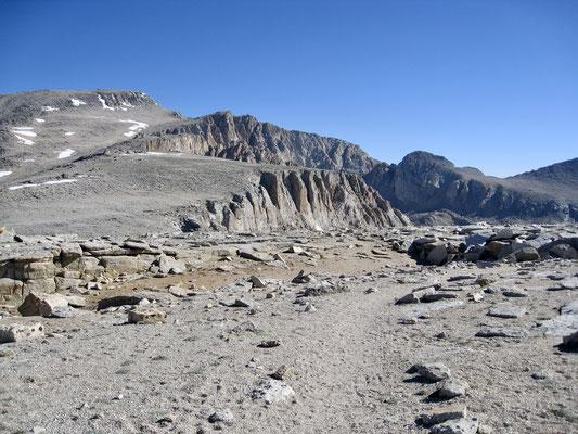 New Army Pass mit Mount Langley im Hintergrund