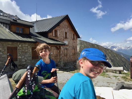 Zeit den Blick von der Geraer Hütte ins Tal zu genießen.