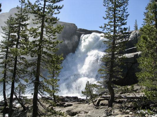 Der Wasserfall bei Glen Aulin, so haben wir ihn noch nie gesehen