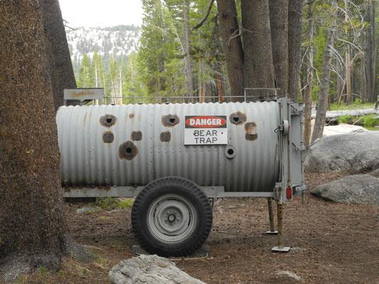 Im Camp dann eine Erinnerung daran das wir uns in einem Bärengebiet befinden.