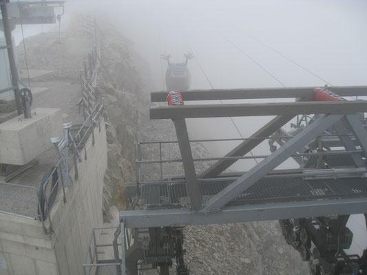 Als Abschluss die Fahrt mit dem Gletscherbus hoch auf den Zillertaler Gletscher auf 3.250 Meter.