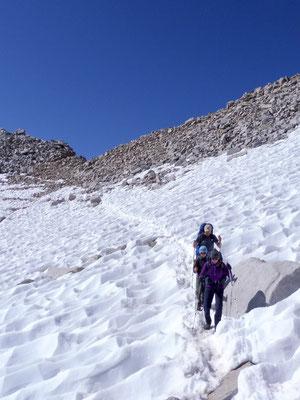 Ein paar Schneefelder auf dem Abstieg vom Forester Pass