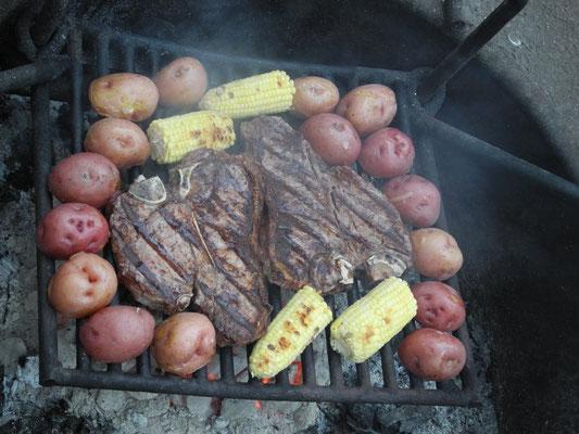 Am Abend davor ein kräftiges Mal bevor es nur noch gefriergetrocknetes Essen gibt.