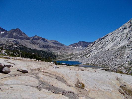 Der Blick von Palisade Lakes zurück zum Pass.