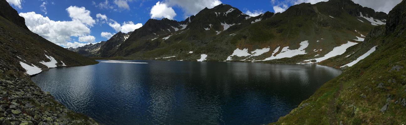 Der Lignitzsee auf knapp 2.000 Meter ist gerade einmal 90 Minuten von der Hütte entfernt!