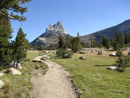 Blick zurück auf Cathedral Peak